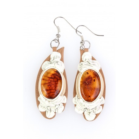 Earrings with yellow amber and leather's composition