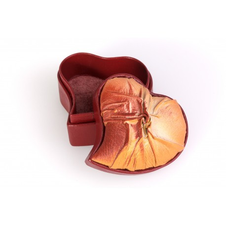 "Natural leather box ""The Heart"""