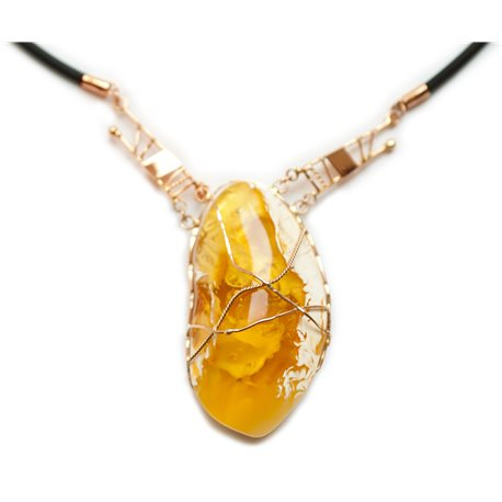 Luxurious necklace of gold, amber and caoutchouc
