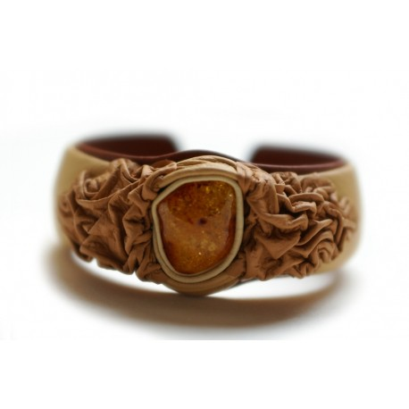 Bleached coffee color leather bracelet with transparent cognac-colored amber