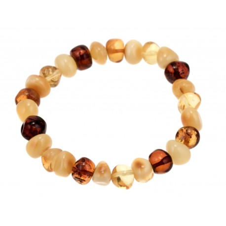 Bracelet of irregularly-shaped amber pieces
