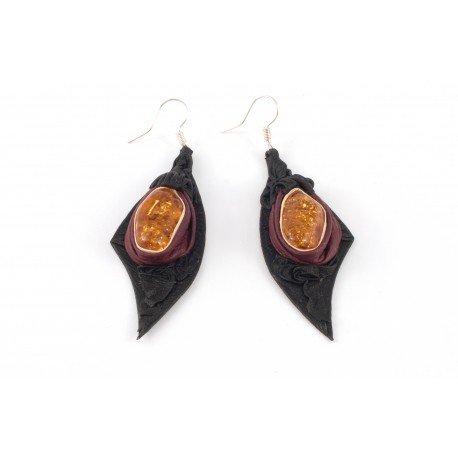 Black and cherry-color leather earrings with transparent amber
