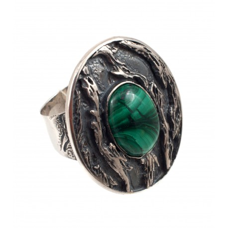 Unique silver ring with malachite