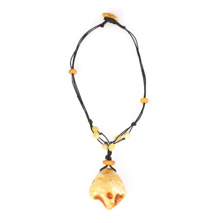 Necklace with the amber composition