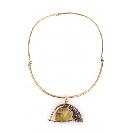 Brass necklace with yellow-colour amber