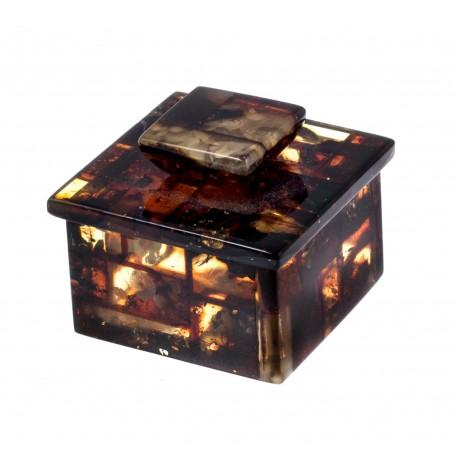 Tamsaus gintaro dėžutė