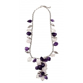 Silver necklace with quartz